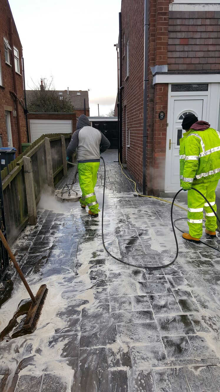 Driveway Cleaning - Oil Stain Removal - HLS Pressure Washing